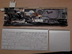 把 MacBook Air 裝進鍵盤中
