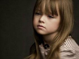 【爆八卦專欄】她才4歲?!莫斯科超可愛幼齒模特兒