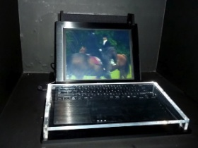 Toshiba 3D筆電 不必戴眼鏡,還有子母畫面