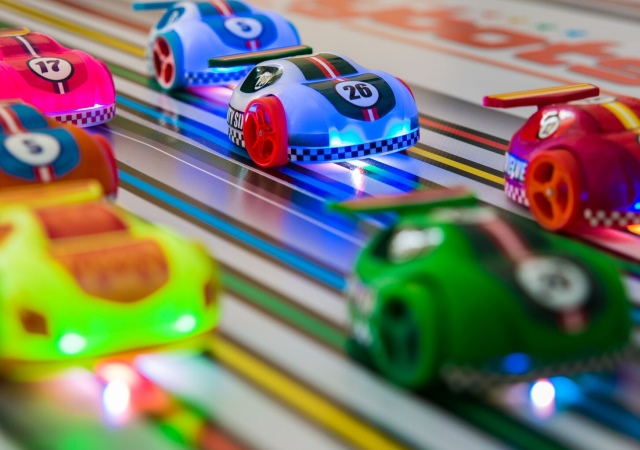 讓小創客自行開發的Cannybots玩具車,協助更多小朋友成為創客