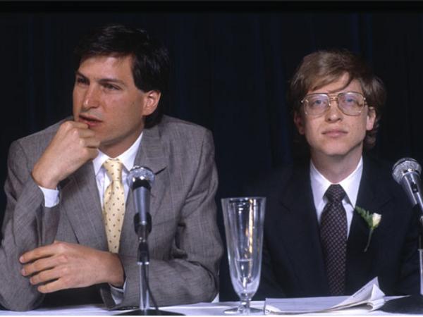 18年前蘋果離破產只差一步,微軟為什麼出錢幫他們度過難關?答案並不是為了義氣