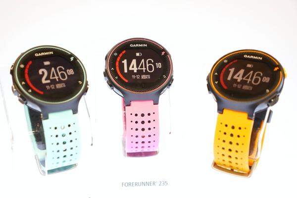Garmin 正式發表搭載自家技術的心率手環 VivoSmart HR 與心率運動錶 Forerunner 235