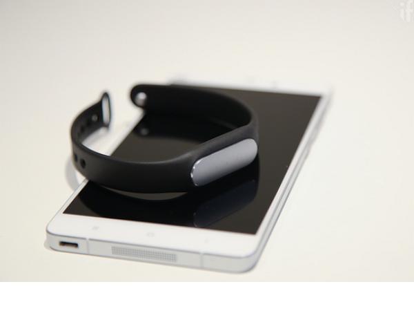 小米手環光感版評測:約台幣500元,就有心率監測功能的運動手環