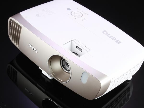 BenQ W2000 側投、大變焦投影機,新增Rec. 709色域模式還原真實色彩