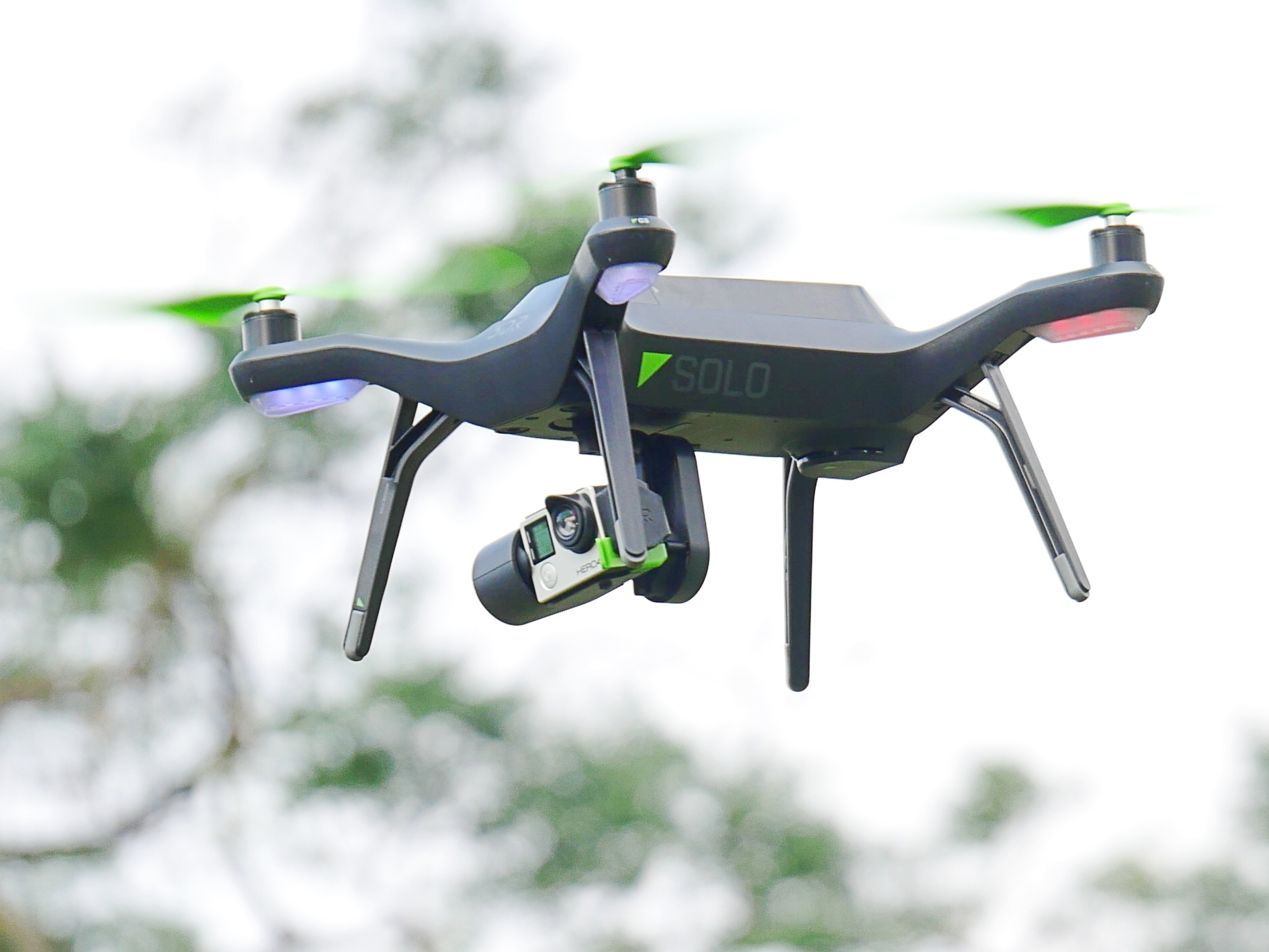 內建「黑盒子」的空拍機 3DR SOLO,若機械故障墜機原廠就賠你一台新的!