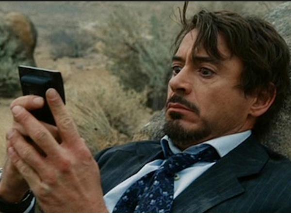 小勞勃道尼問Siri可以叫他賈維斯嗎?Siri做出了神回答