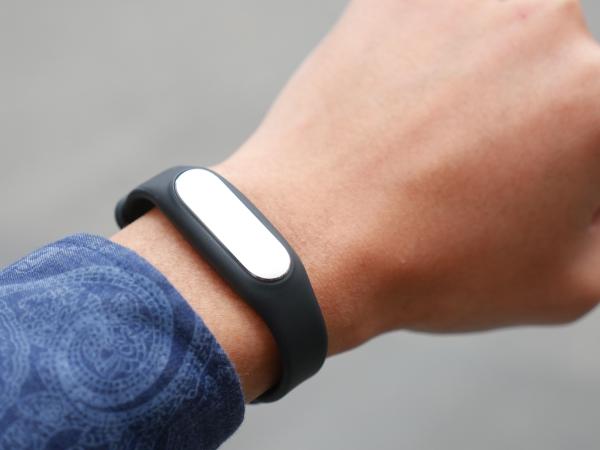小米手環光感版實測:六百有找,史上最平價的心率偵測裝置!