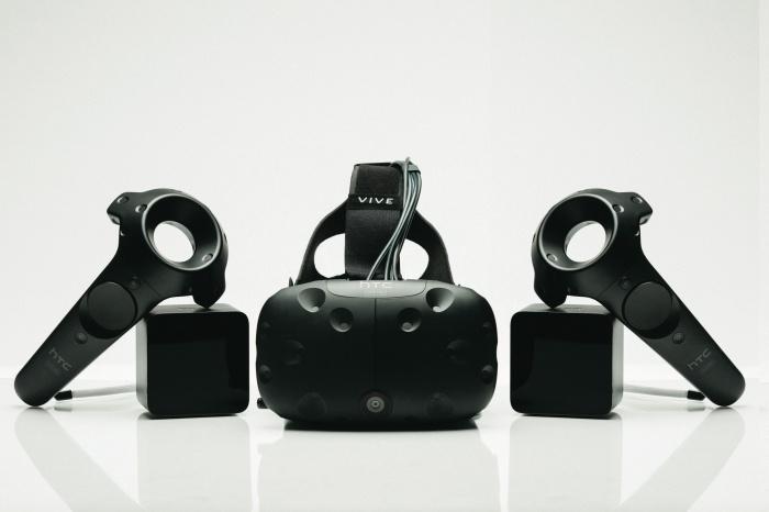 [CES新品]新一代虛擬實境 HTC Vive Pre 開發者版本登場,造型簡化、操控性更強
