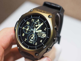 Casio 推出首款智慧錶WSD-F10,50公尺防水/氣壓計/指南針,價格有拼Apple Watch