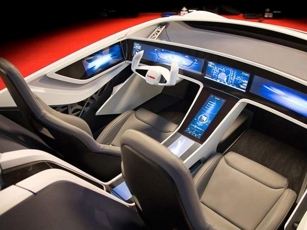 5G雲端概念車,當四輪工業碰上資訊時代