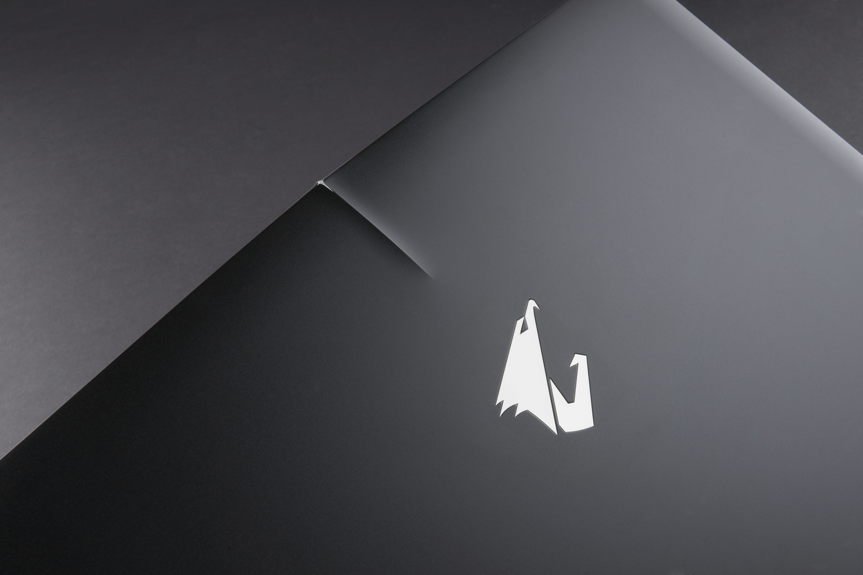 AORUS X5 & X7 獲美國 CES 創新獎,筆電首見「單點背光鍵盤」