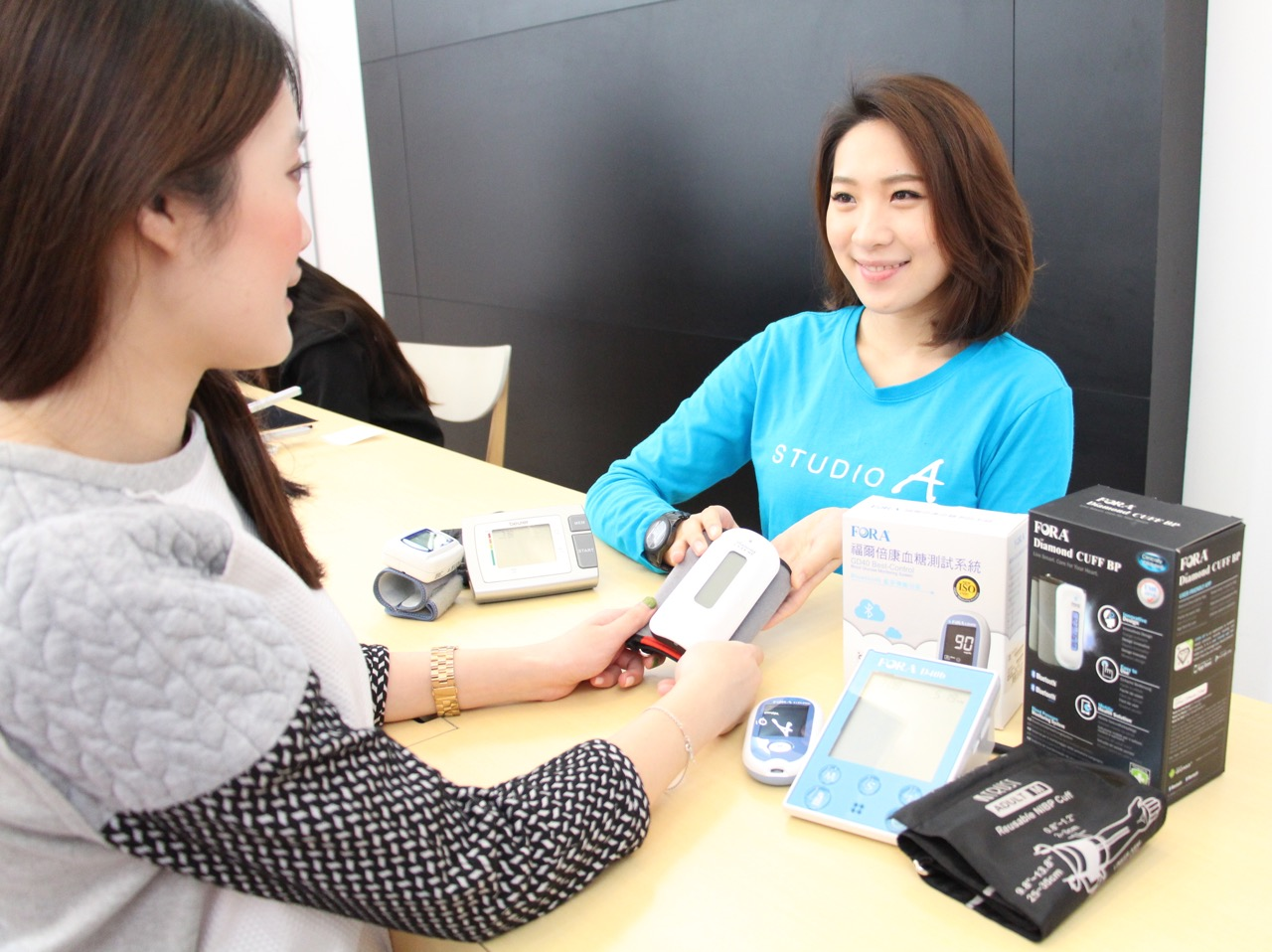 STUDIO A × 泰博科技 首款結合APP雲端管理血壓血糖機,不限廠牌,損壞與否,舊換新5.4折起