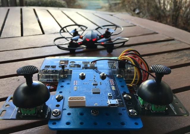可自行組裝、編寫程式的無人機CoDrone