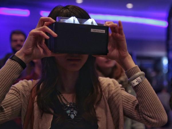 NVIDIA 新版 VR 光場顯示器現身 VRLA 會場,新舊兩代顯示原理大不同