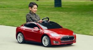 偉大的車手該從小培養,Radio Flyer推出仿真Tesla Model S兒童版電動車!