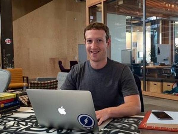 Mark Zuckerberg 講述 Facebook 創辦始末,不為追女生而是期末複習