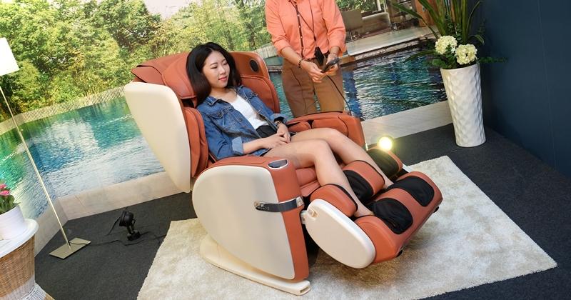 OSIM 推年度新按摩椅 uLove,可從頭部按到臀部,5/29 前免費體驗