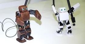 Intel 展出 Edison 開發版應用,可跟著人類動作移動的機器人