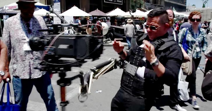 大叔用這種方式測試攝影機穩定器,毀了一台價值7萬美元的攝影機