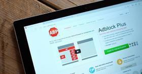 有著 10 年歷史的 Adblock Plus,單純遮蔽廣告早就不是它的目標了