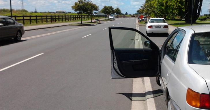 車門別再「說開就開」!未來亂開車門導致交通事故,最高將可裁罰最高3,600元罰緩
