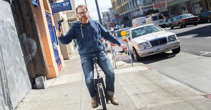 未來當你騎著車時,不要在 Google 無人駕駛汽車前亂擺手勢