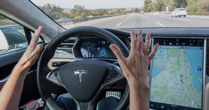 自動駕駛神話破滅,特斯拉面臨輿論指責危機被要求禁用「Autopilot」