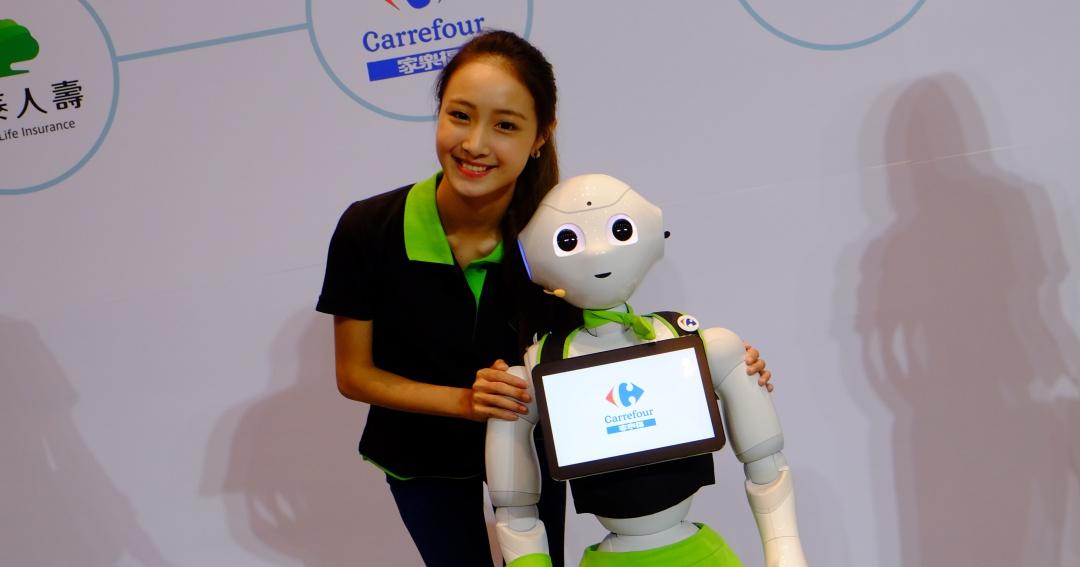 機器人來了!台灣成為亞洲首賣國,Pepper 7/25 開放預購