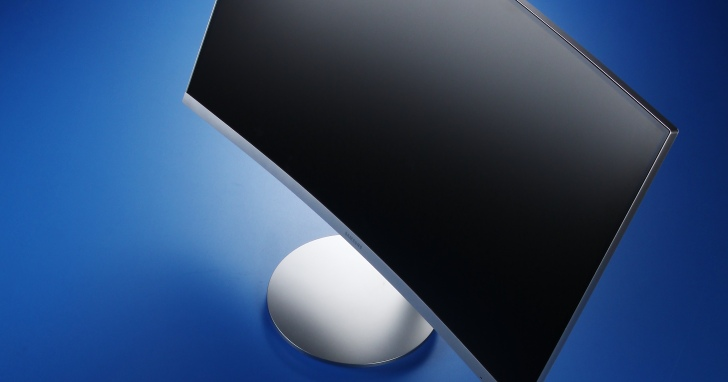 Samsung CF591- 1800R貼合眼球的曲面螢幕