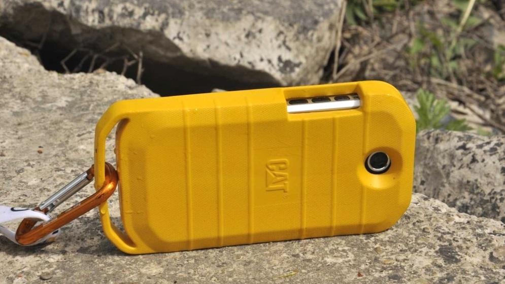 Cat S40三防硬漢手機推出水上浮力保護殼,也有iPhone版本