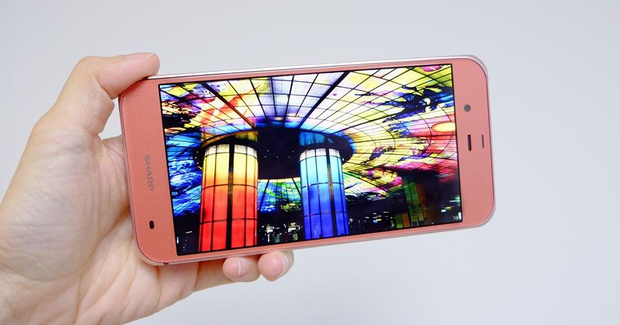 淺談 Sharp Aquos P1 IGZO 螢幕,具 120Hz 更新率、省電效果優異