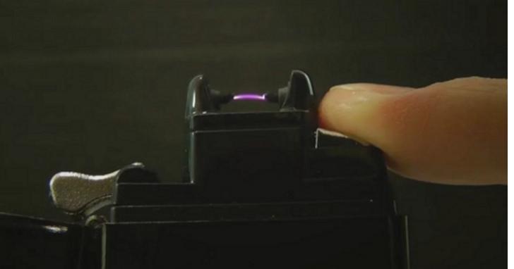 這款打火機不吃油也沒有打火石,Volt 打火機靠USB充電、用「高壓電弧」來生火 | T客邦