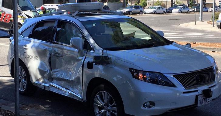Google 無人車遭遇了它有史以來最嚴重的一次車禍