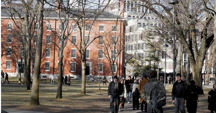哈佛大學校園餐廳750名員工大罷工,批評校方對待他們假仁假義