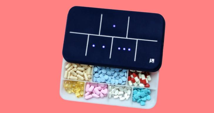「該吃藥了!」EllieGrid智慧藥盒,讓藥物整理更加直覺