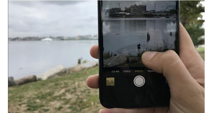 部分iPhone 7使用者反映,相機拍照到一半會出現黑畫面並彈出「機器過熱」訊息
