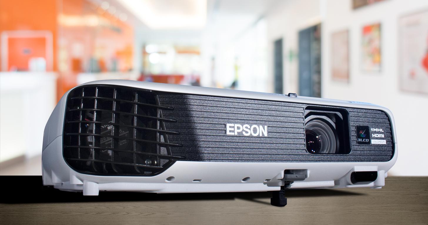 Epson EB-U04 投影機實測:同時擁有劇院、商務雙用途的高 CP 值機種