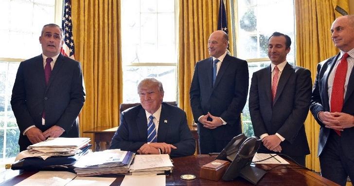 Intel執行長科再奇跟川普報告:我們已斥資 70 億美元於亞利桑那州設廠、可提供上萬工作機會
