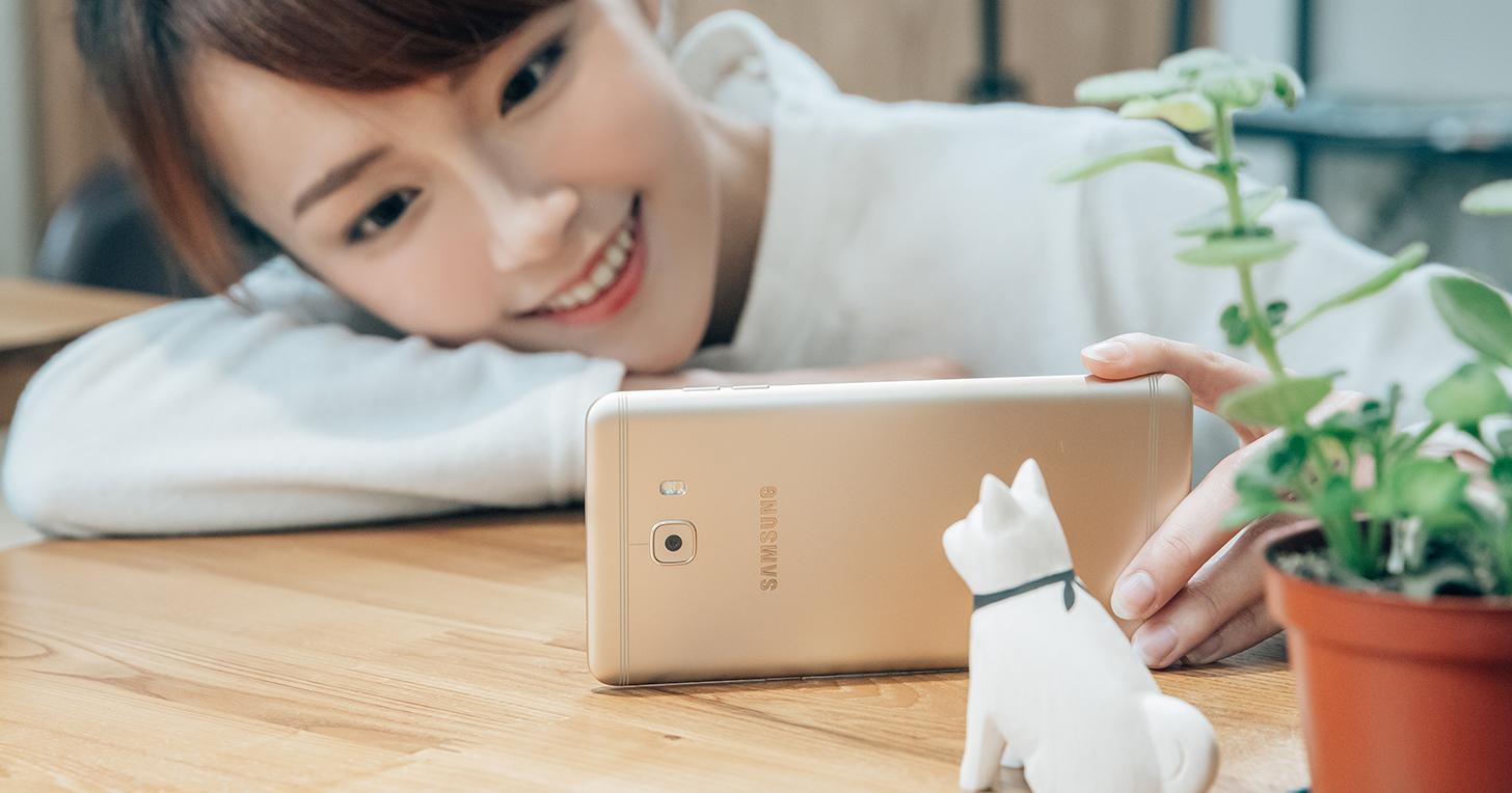娛樂大平台 Samsung Galaxy C9 Pro 來了!玩 GAME 超神、追劇超順的超狂新機!