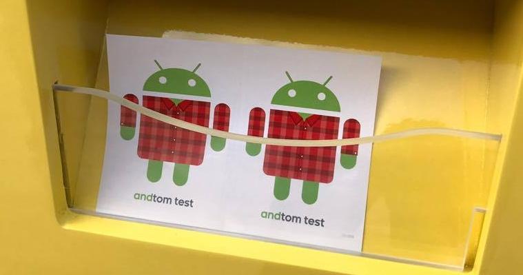 Google 在 MWC 設了小攤位,體驗就能印 Android 小貼紙和袋子