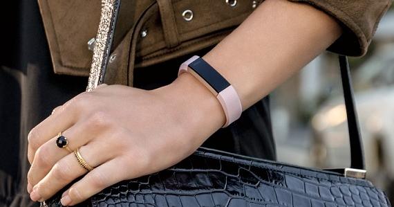 史上最輕巧心率追蹤手環登場!Fitbit 推出 Alta HR 手環新改款