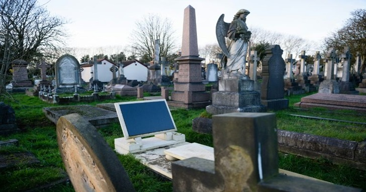 科技進入死亡領域,複製一個數位版的自己,死後還能陪親人聊天
