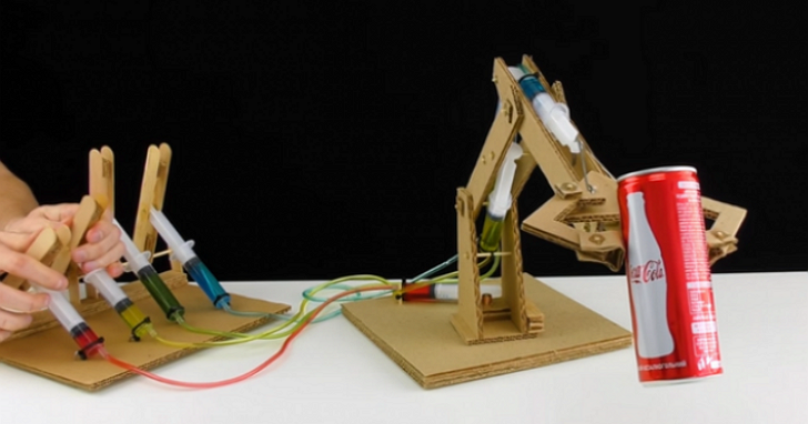 瓦楞紙加針筒超強手作!自製可動式機器「紙」手臂
