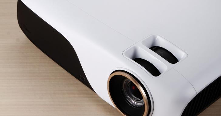 Optoma ZH55- 色彩表現優異的家用雷射投影機