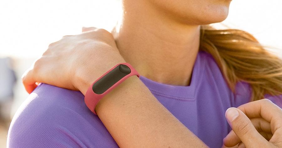 TomTom 推出心率健身手環,支援 iOS / Android 雙平台,售價 3880 元