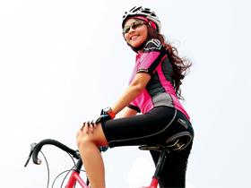自行車碼錶、GPS、前後燈,10款配件選購建議