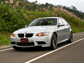 駕馭自如的家庭房車:BMW M3 4.0L Sedan
