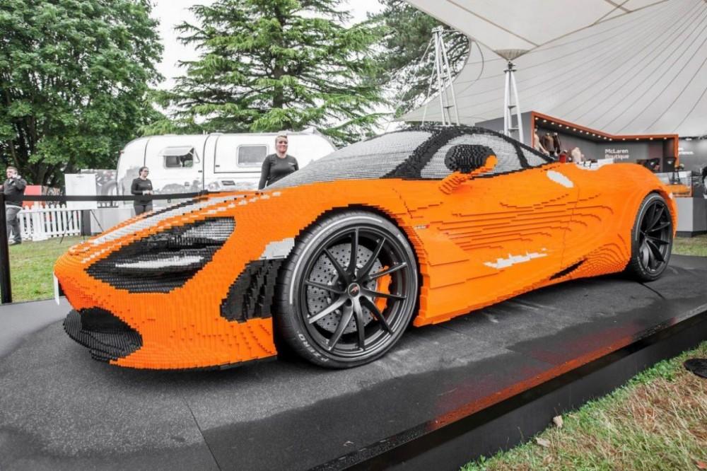 樂高最狂! 28 萬塊積木、2000 小時、1.6公噸重、總價3萬美元,拼出一輛 1:1 McLAREN 720S 超跑