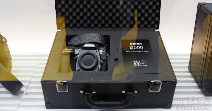 Nikon 百年紀念套裝停止出貨,原因是因為紀念 Logo 剝落出問題