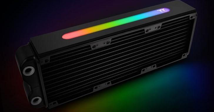 RGB 燈光效果貫徹到底,Thermaltake 推出具備 1680 萬色的 360mm 水冷散熱排